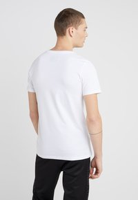 Plein Sport - ROUND NECK ORIGINAL - T-paita - white - 2