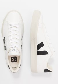 Veja - CAMPO - Baskets basses - white/black - 3