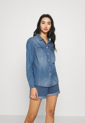 JDYSIGGA - Button-down blouse - medium blue denim