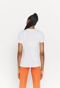 Nike Performance - TEE CREW - T-shirts - white - 2