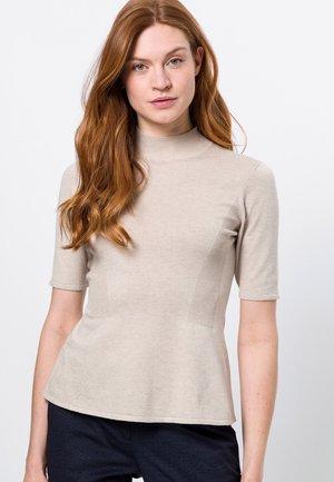 MIT STEHKRAGEN - Print T-shirt - sesame melange