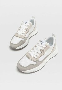 Stradivarius - Sneakersy niskie - white - 2