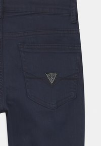 Guess - CORE JUNIOR BULL - Jeans Skinny Fit - deck blue - 2
