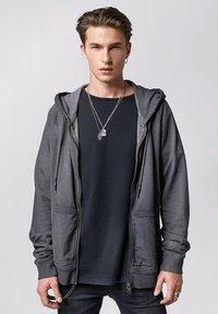 Tigha - RUVEN - Zip-up hoodie - vintage stone grey - 0