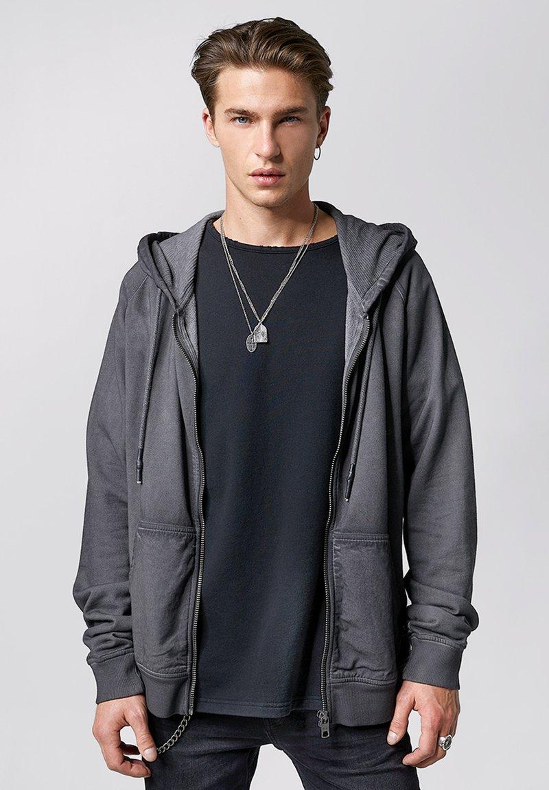 Tigha - RUVEN - Zip-up hoodie - vintage stone grey