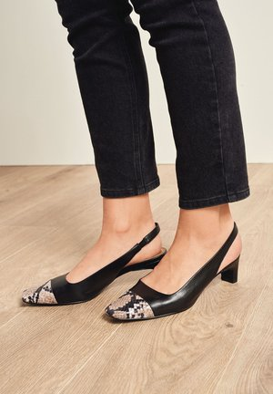 TOE CAP SLINGBACKS - Escarpins - black