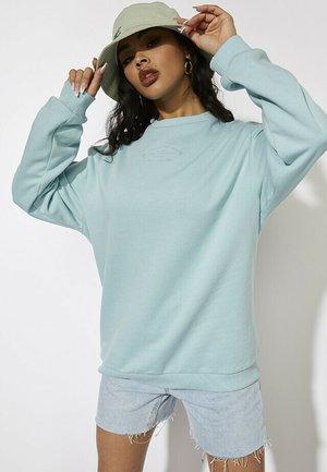 Sweater - mint green