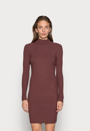 ELNORA - Pletené šaty - cherry mahagony