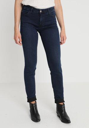 SISSY - Slim fit jeans - stone wash