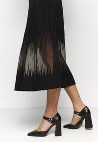 Patrizia Pepe - DRESS SEE THROUGH - Jumper dress - nero - 4