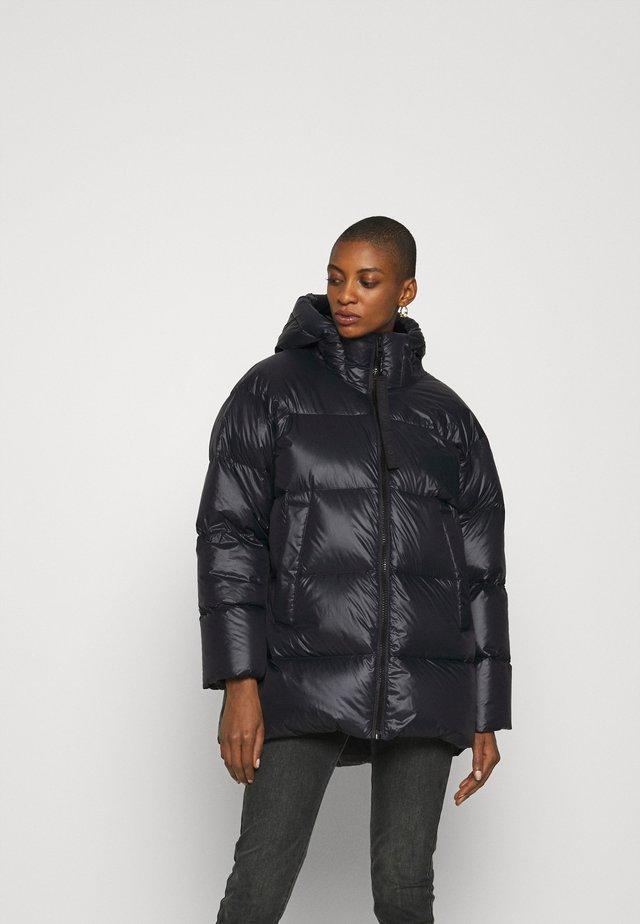 PUFFER JACKET - Gewatteerde jas - black