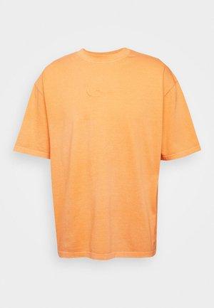 WASHED SMALL SIGNATURE TEE - T-shirt - bas - orange