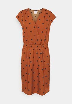 IHBRUCE - Day dress - bombay brown