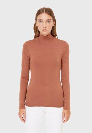 MIT ROLLKRAGEN  - Long sleeved top - light brown