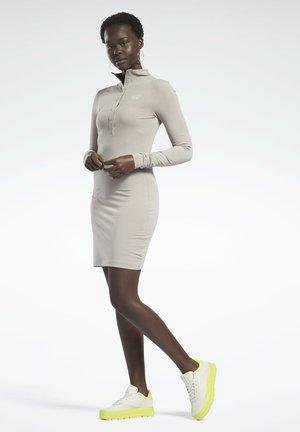 Sukienka etui - grey