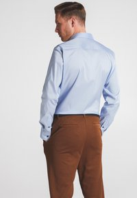 Eterna - SLIM FIT - Shirt - hellblau - 1