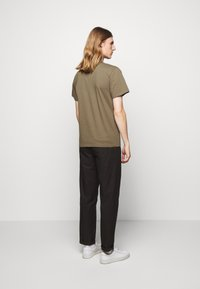 forét - QUIET - Print T-shirt - stone - 2