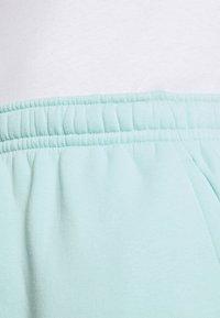 Nike Sportswear - CLUB - Shorts - light dew - 3