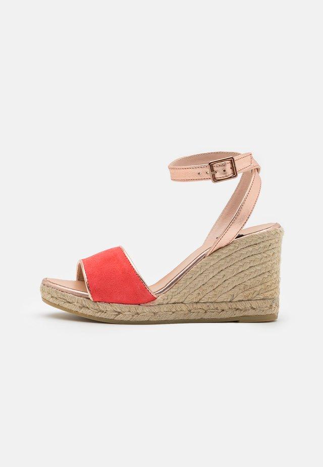 YAMINA - Platform sandals - rose/rame