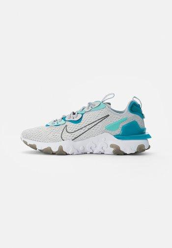 NIKE REACT VISION - Trainers - pure platinum/smoke grey-aquamarine-tropical twist-white