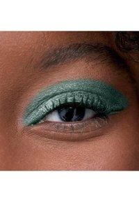 3ina - THE 24H CREAM EYESHADOW - Eye shadow - 759 olive green - 1