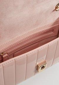 Valentino by Mario Valentino - BONGO - Borsa a tracolla - pink - 3