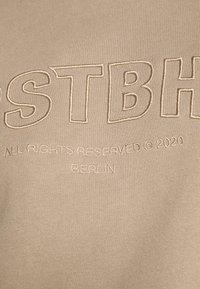 WRSTBHVR - GINGER SWEATER - Sweatshirt - roasted beige - 5