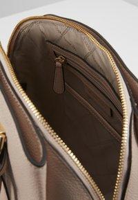 MICHAEL Michael Kors - MAXINE DOME SATCHEL - Handbag - soft pink - 3