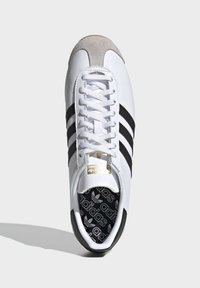 adidas Originals - COUNTRY OG SHOES - Trainers - white - 2