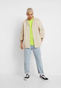 Carhartt WIP - Basic T-shirt - lime - 1