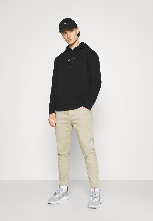 Hollister Co. CENTERBOX LOGO - Bluza - black/czarny Odzież Męska CHWV