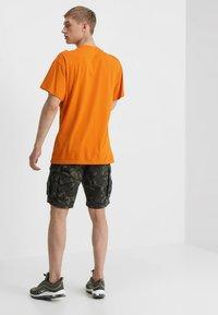Superdry - CORE LITE RIPSTOP CARGO - Shorts - alpine camo - 2