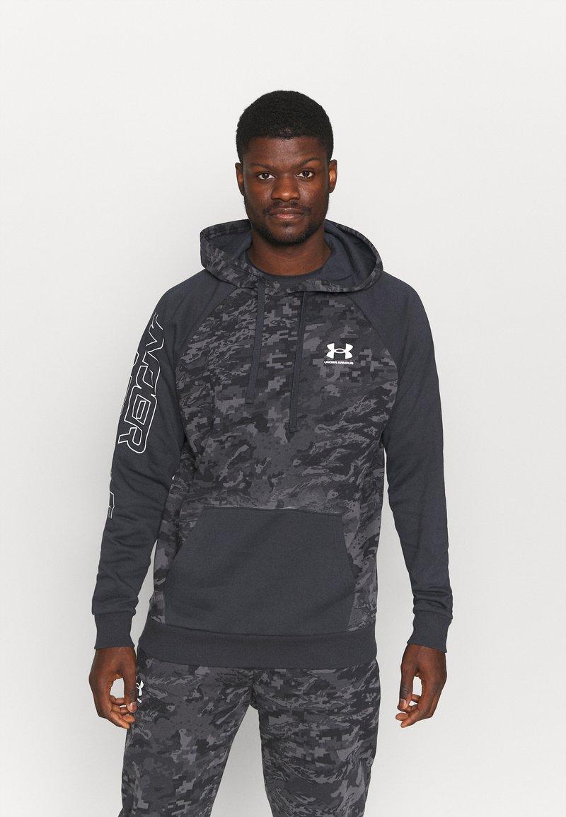 Under Armour - RIVAL CAMO SCRIPT - Sweatshirt - black
