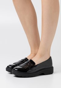 Clarks - WITCOMBE DAWN - Slippers - black - 0