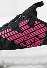 EA7 Emporio Armani - NEON - Sneakersy niskie - black / neon pink - 2
