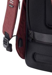 XD Design - BOBBY HERO SMALL - ANTI-THEFT - Rucksack - red - 4