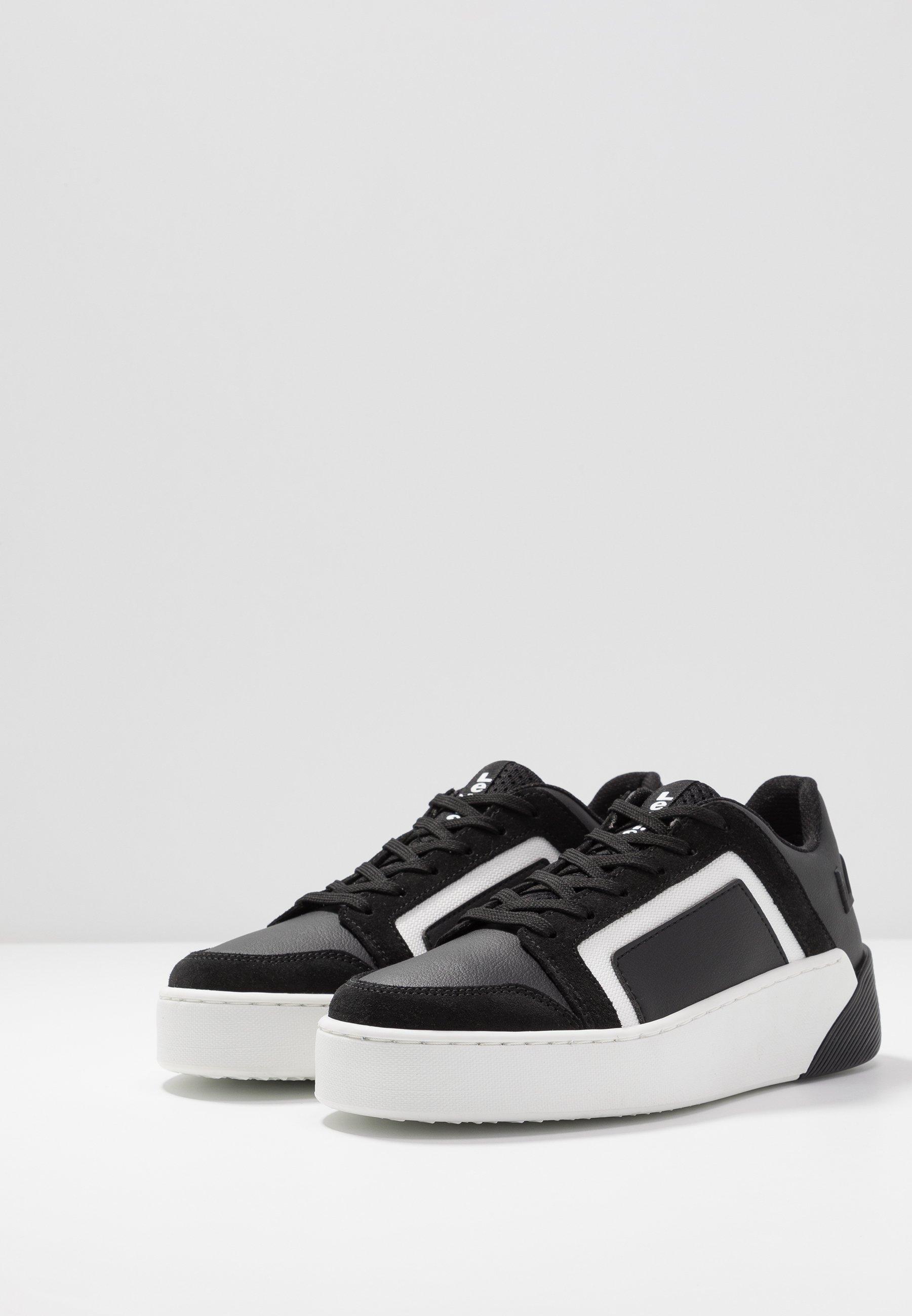 Levi's® MULLET  Sneaker low regular black/schwarz