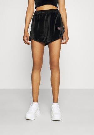 DREW - Shorts - black