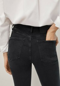 Massimo Dutti - Jeans Skinny Fit - black - 2