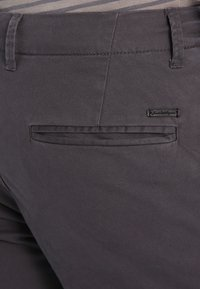 Jack & Jones - JJIMARCO JJENZO - Kangashousut - dark grey - 4