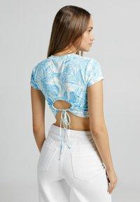 Bershka - T-shirts print - blue - 2