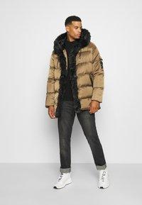 Glorious Gangsta - MAVIS  - Winter coat - sand - 1