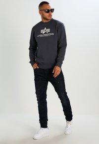 Alpha Industries - BASIC  - Sweatshirt - grey black - 1