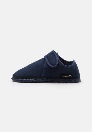 OTTILIE UNISEX - Domácí obuv - dunkelblau