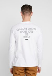 Levi's® Extra - GRAPHIC TEE - T-shirt à manches longues - white - 2