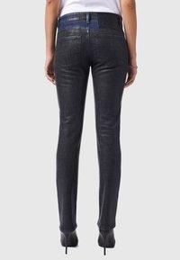 Diesel - D-LYLA - Slim fit jeans - black/dark grey - 2