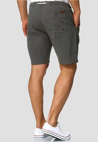 INDICODE JEANS - Shorts - dark grey - 2