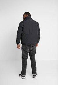 Jack & Jones - JCONOAH SHORT PUFFER - Zimní bunda - black - 2