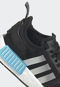 adidas Originals - NMD_R1 SHOES - Trainers - core black/silver metallic/solar red - 9