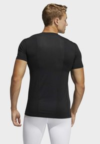 adidas Performance - TURF SS PRIMEGREEN TECHFIT TRAINING WORKOUT COMPRESSION T-SHIRT - T-shirts med print - black - 1